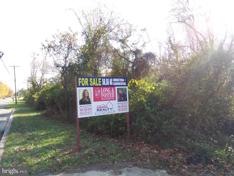 Maison unifamiliale pour l Vente à TUCKAHOE Road Franklin Township, New Jersey 08322 États-UnisDans/Autour: Franklin Township
