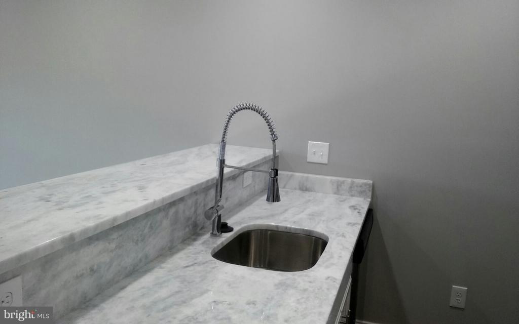 Kitchen Faucet - 716 NE JACKSON ST NE #2, WASHINGTON