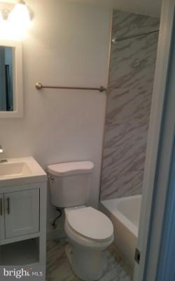 Bathroom 1 - 716 NE JACKSON ST NE #2, WASHINGTON