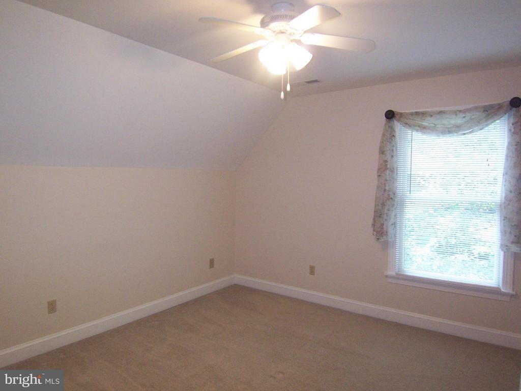 Bedroom #2 - 504 CORNWALLIS AVE, LOCUST GROVE