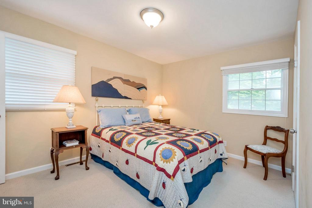 Bedroom (Master) with laundry chute - 308 MT PLEASANT DR, LOCUST GROVE