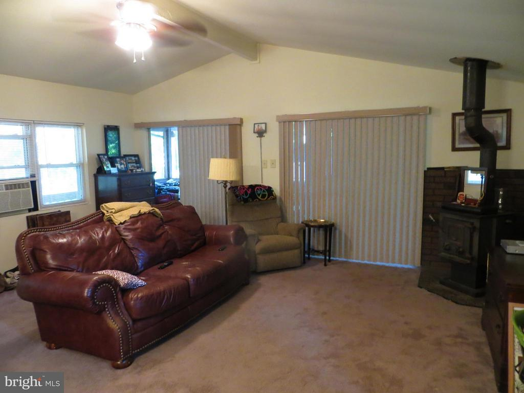 Great Room - 413 WESTOVER PKWY, LOCUST GROVE