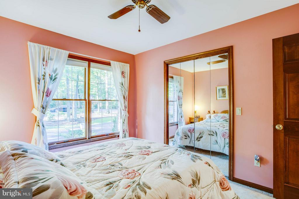 Nice sized second bedroom with large closet. - 303 GOLD VALLEY RD, LOCUST GROVE