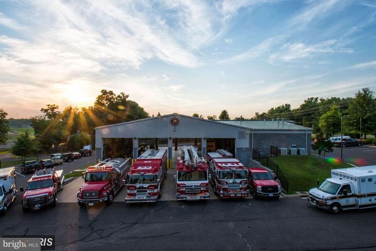 Community fire dept - 117 EDGEHILL DR, LOCUST GROVE