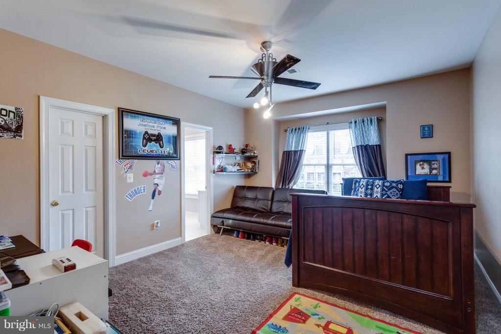 Bedroom #3 upstairs - 12253 TIDESWELL MILL CT, WOODBRIDGE