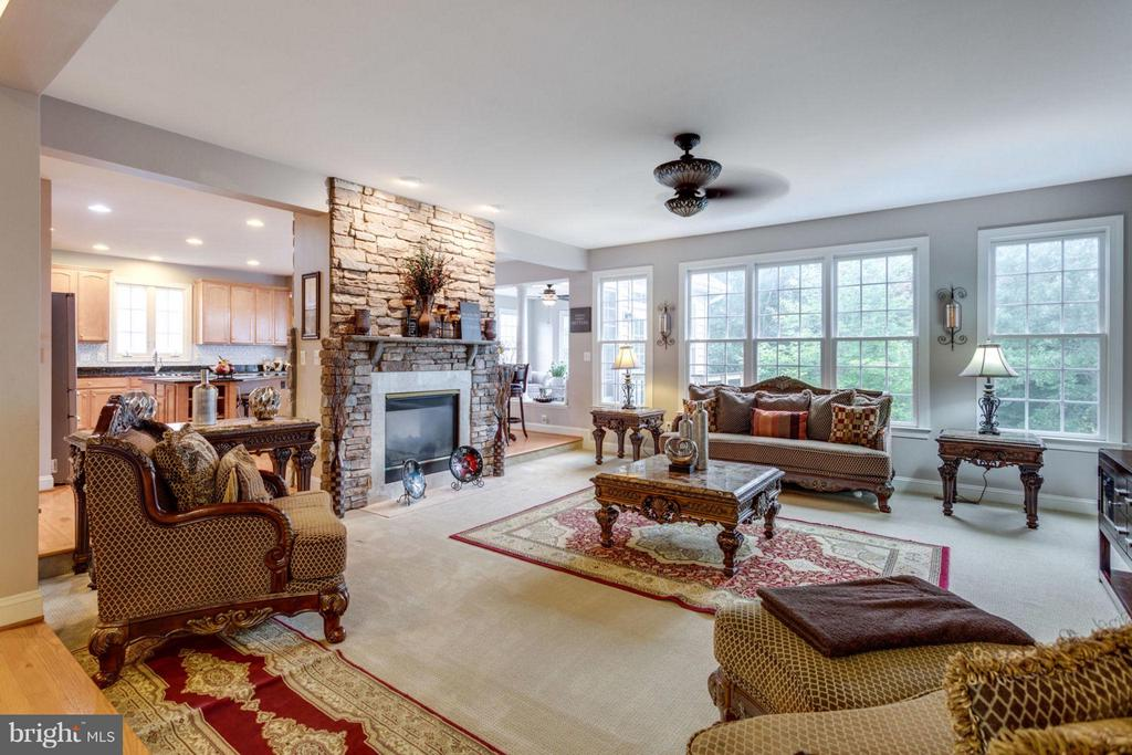 Family Room with Cozy fireplace - 12253 TIDESWELL MILL CT, WOODBRIDGE