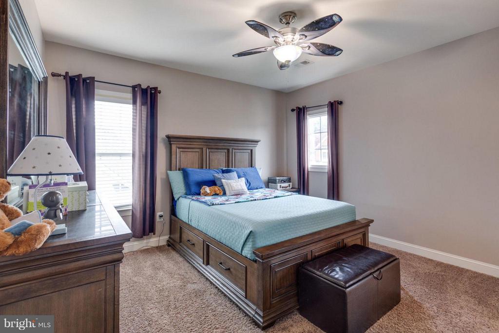 Bedroom #2 Upstaris - 12253 TIDESWELL MILL CT, WOODBRIDGE