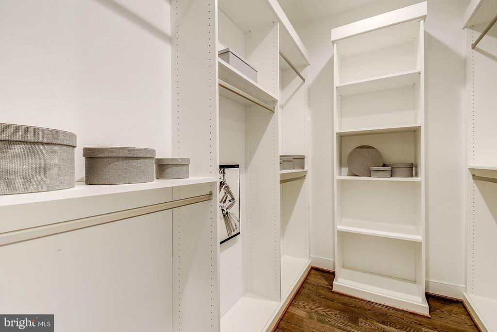 Master Bedroom Closet - 6400 28TH ST N, ARLINGTON