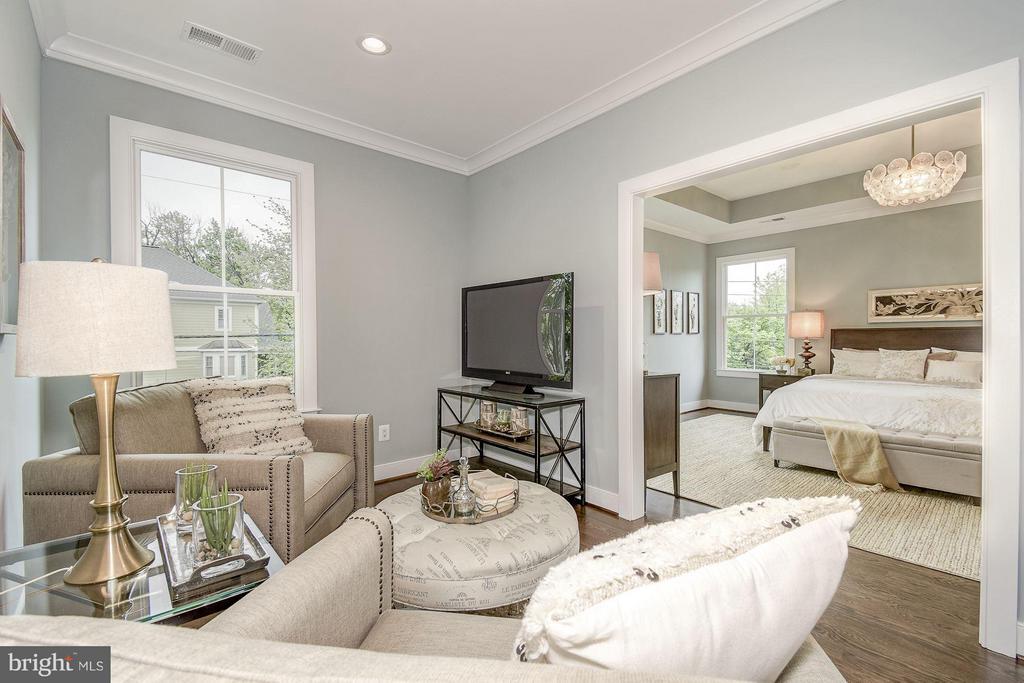 Master Bedroom Sitting Room - 6400 28TH ST N, ARLINGTON