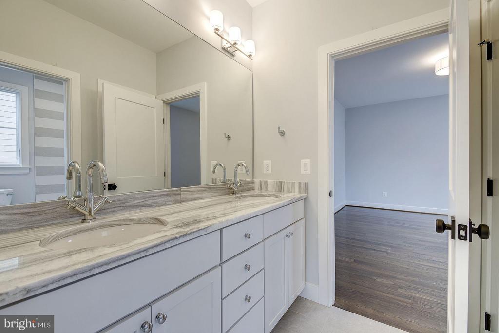 Jack and Jill Bathroom - 6400 28TH ST N, ARLINGTON