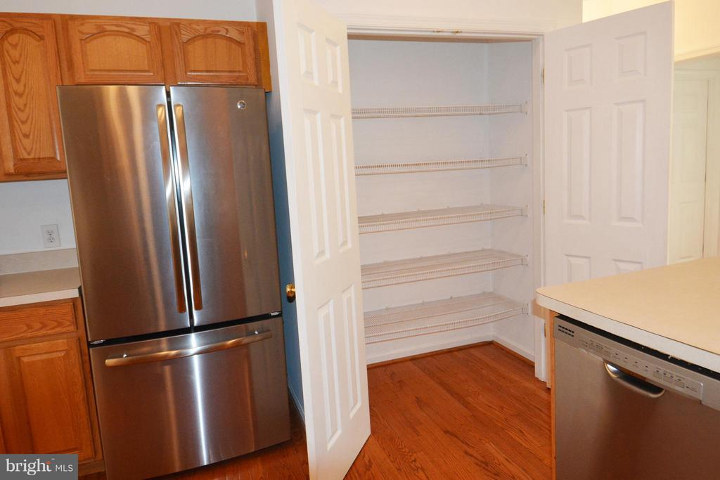 Kitchen Pantry - 307 STRATFORD CIR, LOCUST GROVE