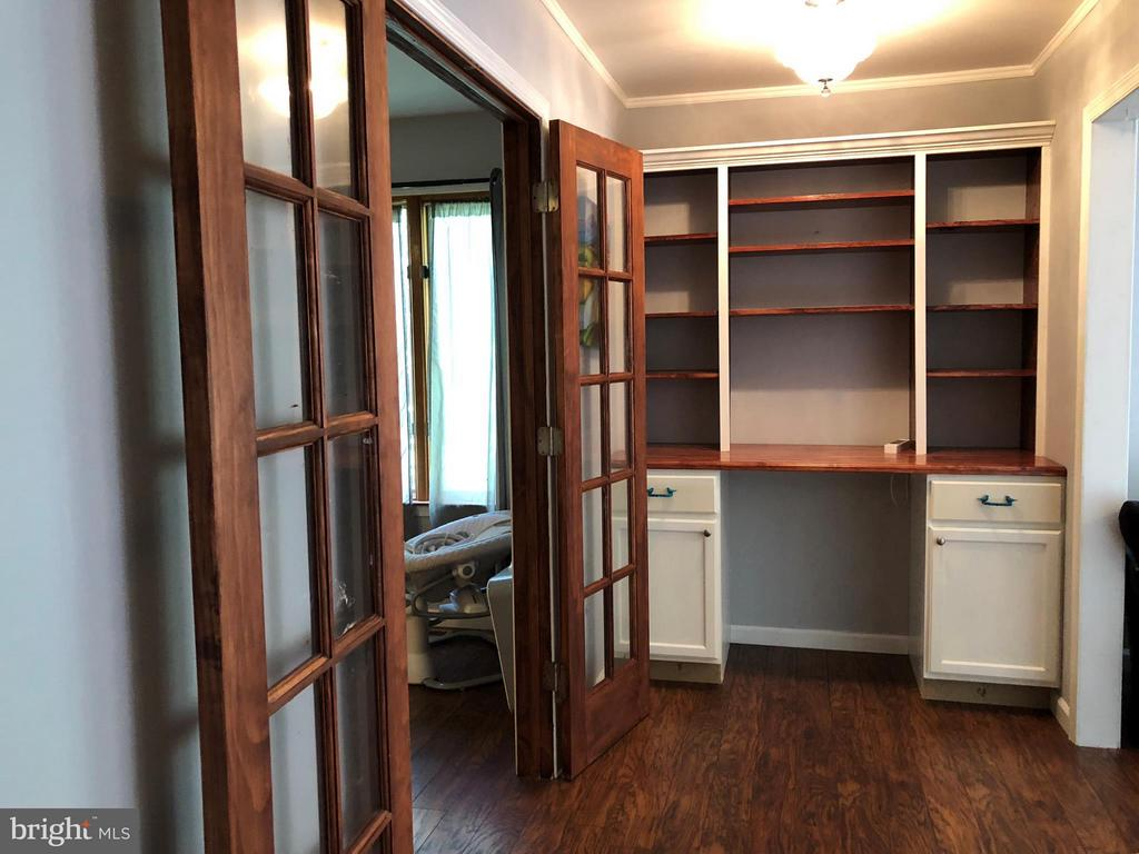 2nd living space= Master, Kitchen and Family Rm - 200 LIBERTY BLVD, LOCUST GROVE