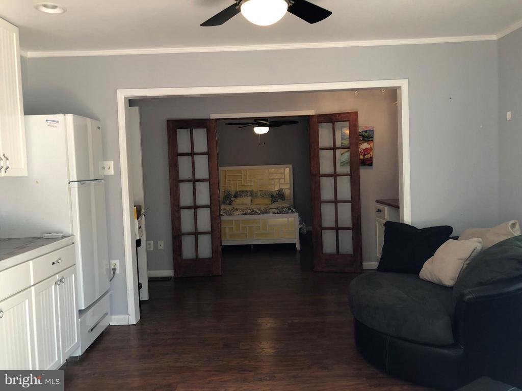 Spacious Living Area - 200 LIBERTY BLVD, LOCUST GROVE