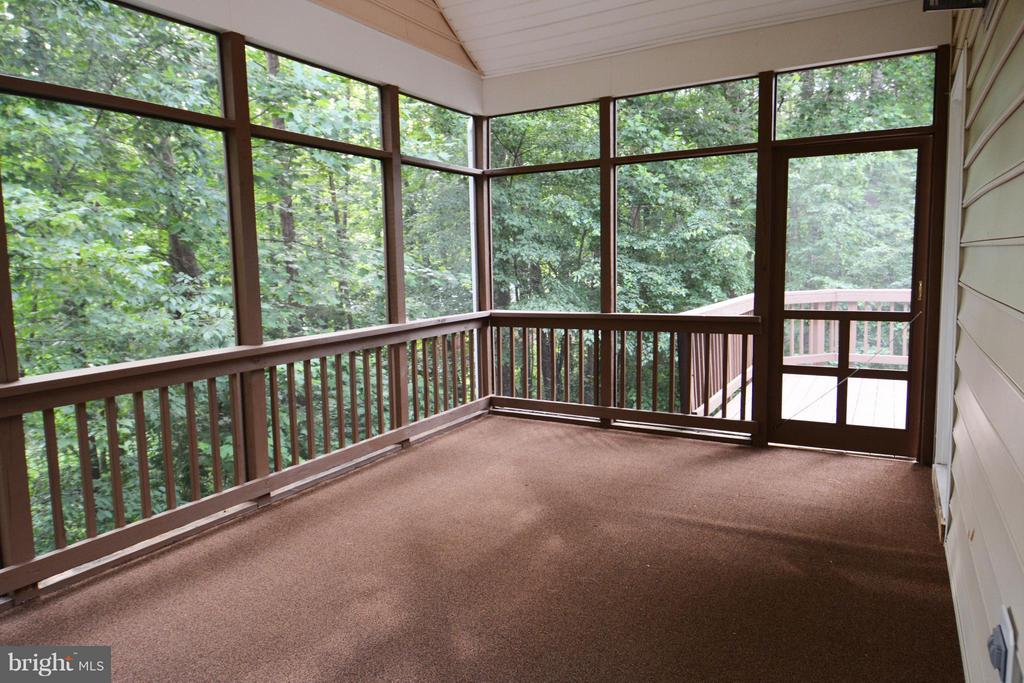 Screened Porch - 307 STRATFORD CIR, LOCUST GROVE