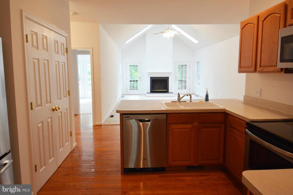 View from Kitchen to Great Room - 307 STRATFORD CIR, LOCUST GROVE