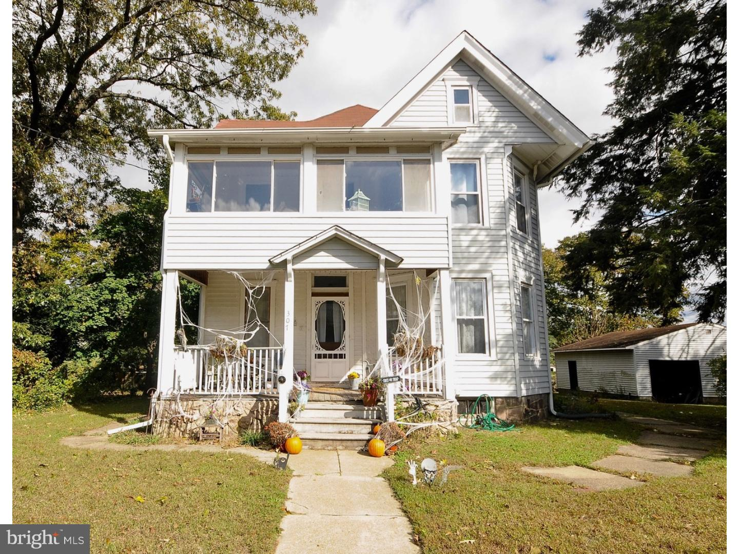 Single Family Home for Sale at 307 COLUMBIA BLVD National Park, New Jersey 08063 United StatesMunicipality: National Park