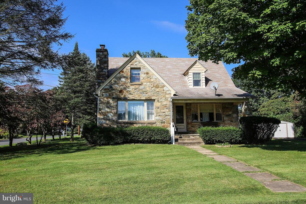 Doesn't this just say cozy?? - 831 W HOLLY LN, PURCELLVILLE