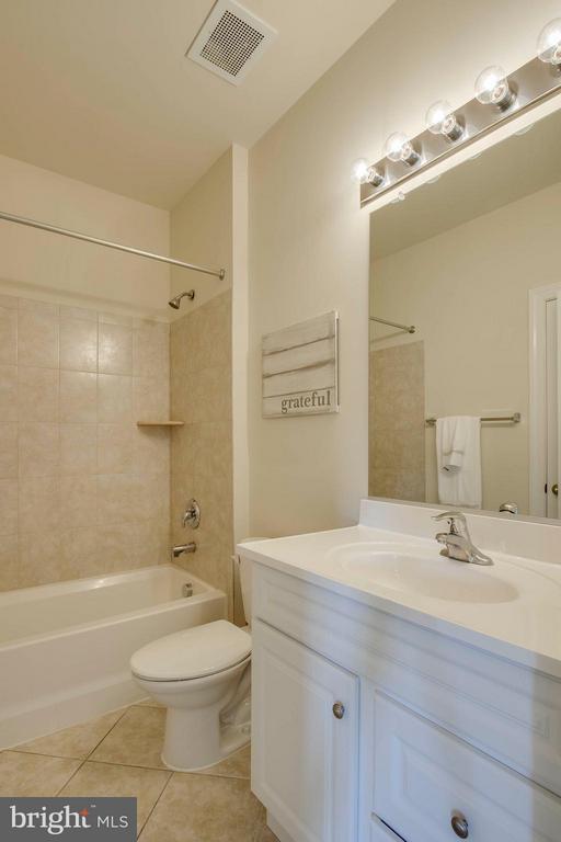 Full Bath - 2308 MERSEYSIDE DR #113, WOODBRIDGE