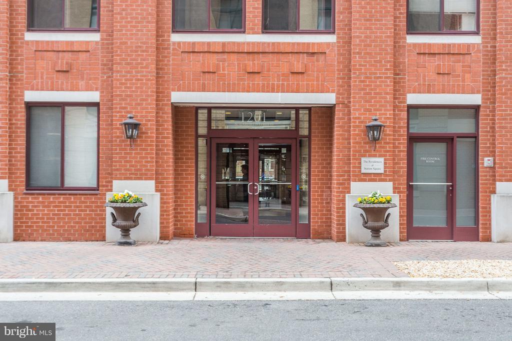 Exterior - 1201 N GARFIELD ST #513, ARLINGTON