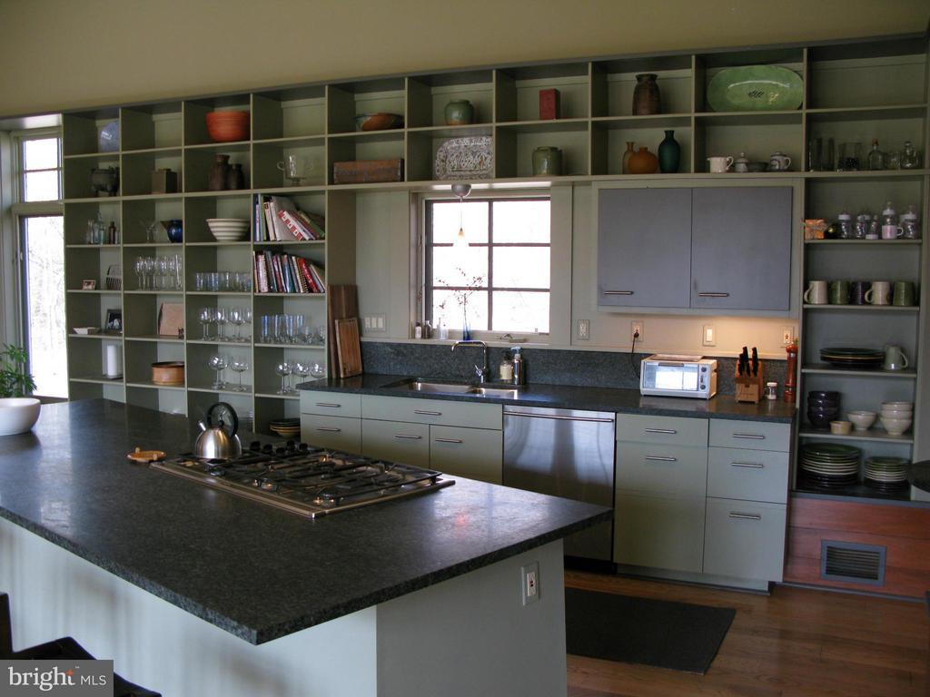 Kitchen - 396 KEYSER RUN RD, WASHINGTON