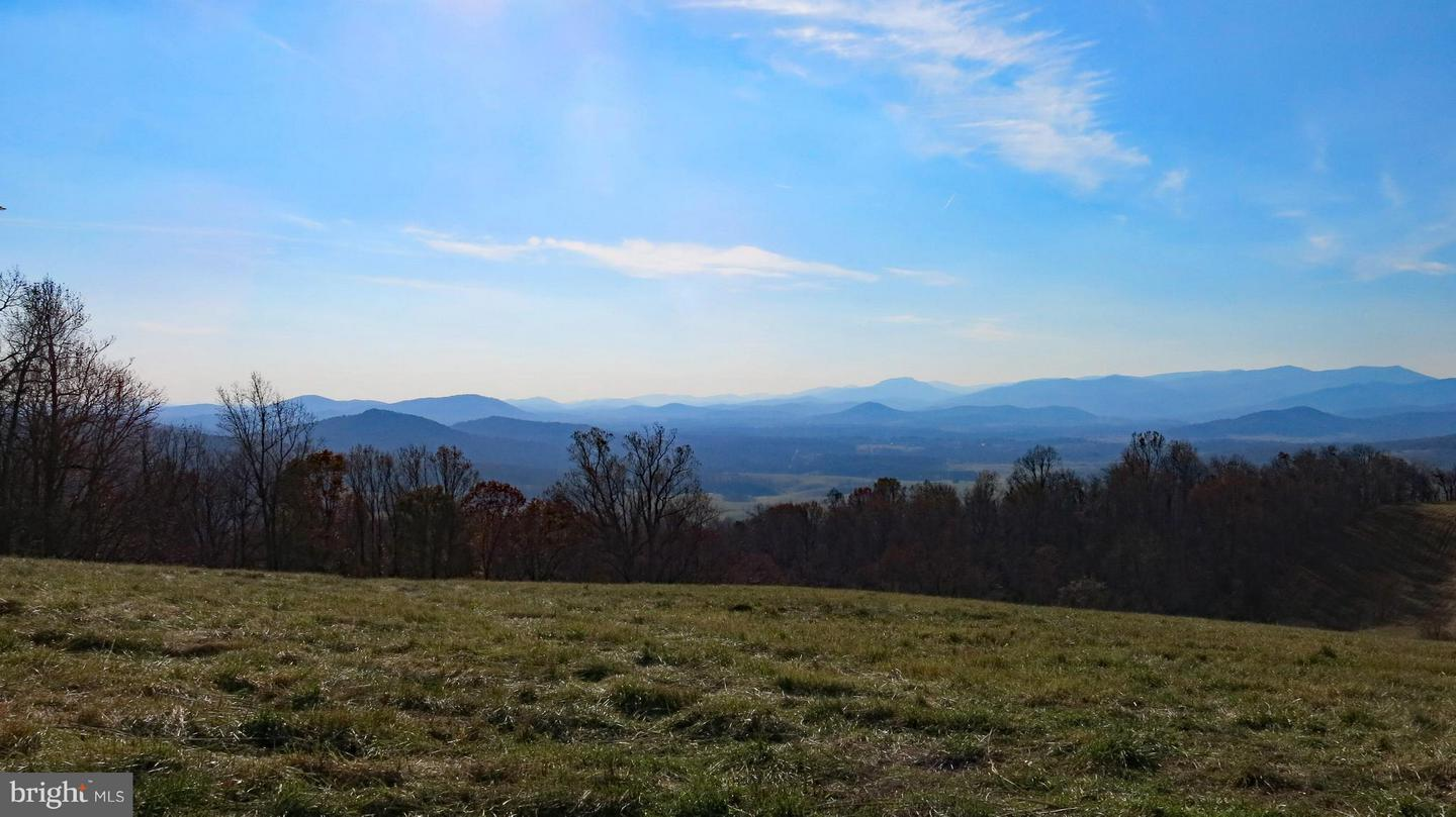 Farm for Sale at 40 Points Of View Ln Flint Hill, Virginia 22627 United States
