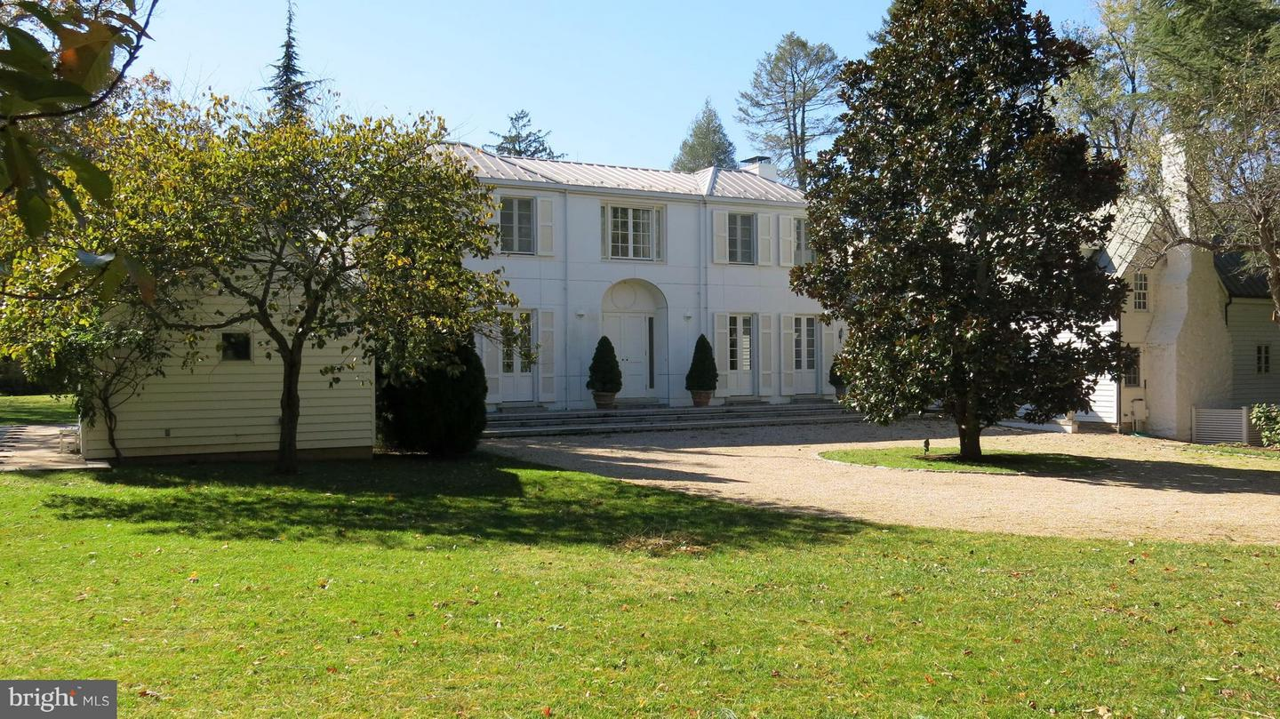 Single Family for Sale at 61 Deerfield Ln Sperryville, Virginia 22740 United States