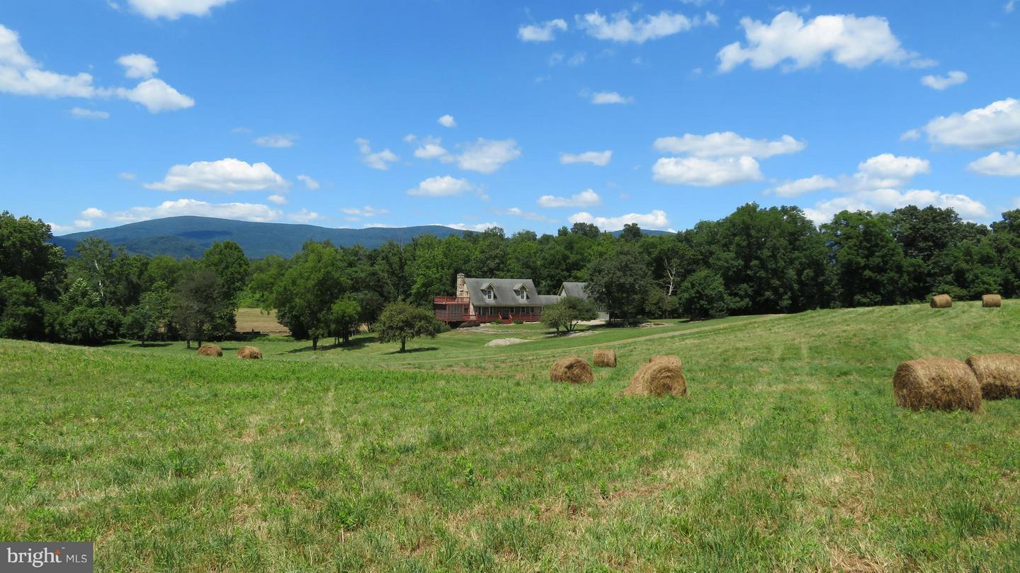 Farm for Sale at 870 Zachary Taylor Hwy Flint Hill, Virginia 22627 United States
