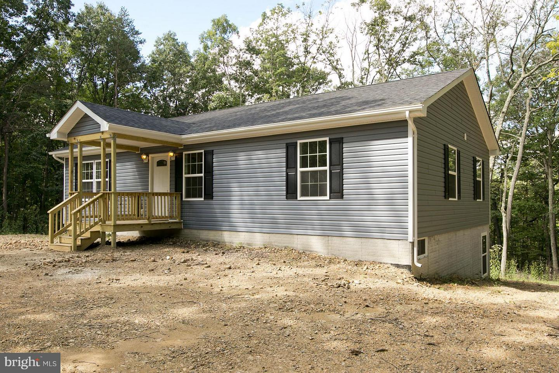 Single Family for Sale at 298 Deerwood Ln Berkeley Springs, West Virginia 25411 United States