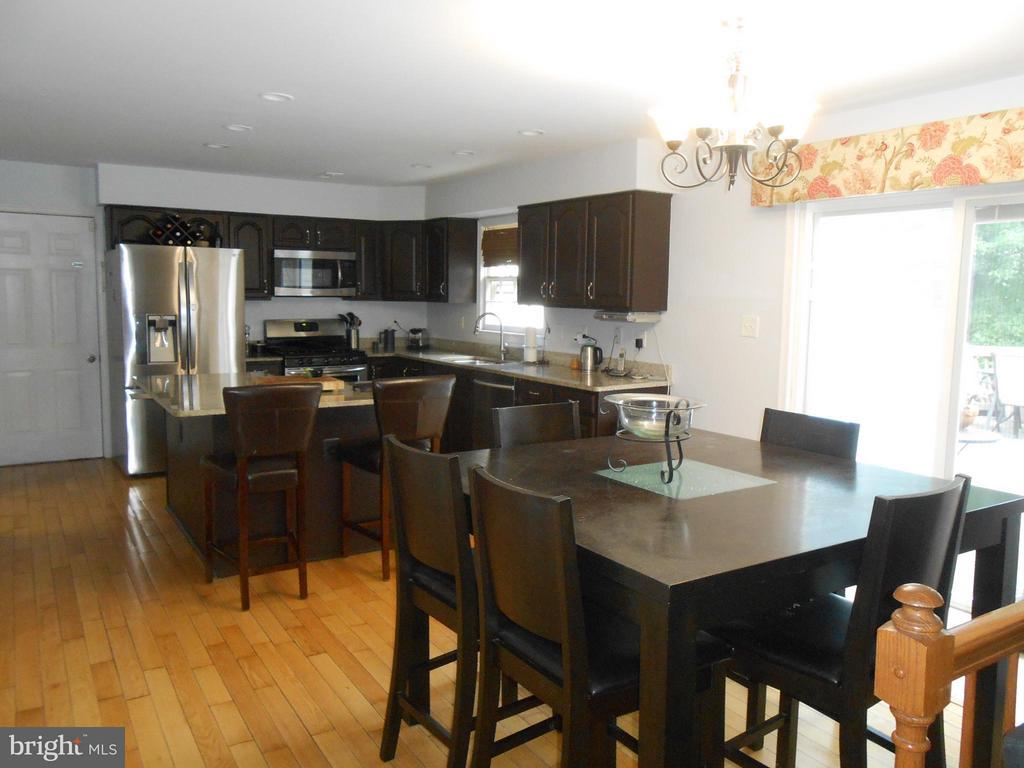 Kitchen - Granite Counters - 10210 BENS WAY, MANASSAS