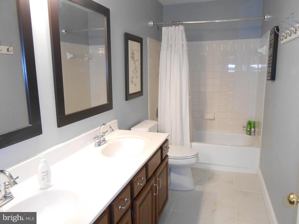 Upper Hall Full Bath - New tile floor - 10210 BENS WAY, MANASSAS