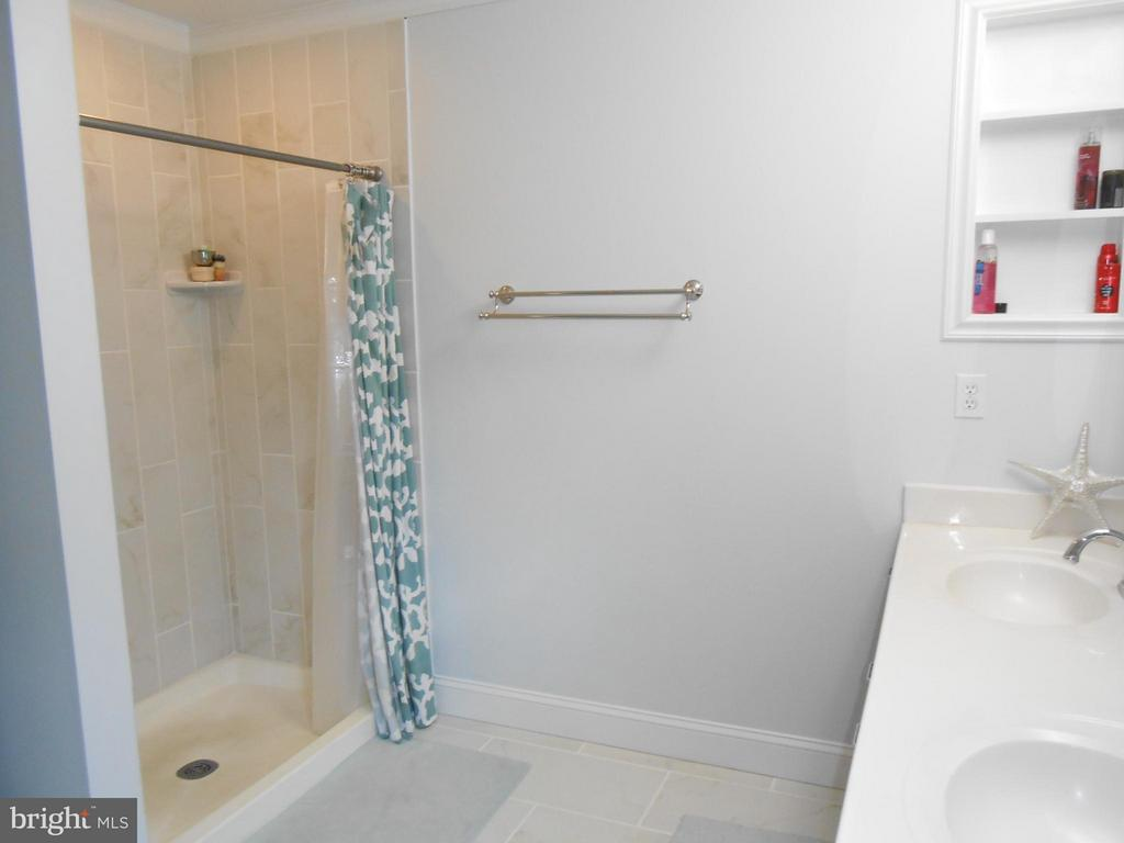 Separate Shower - 10210 BENS WAY, MANASSAS