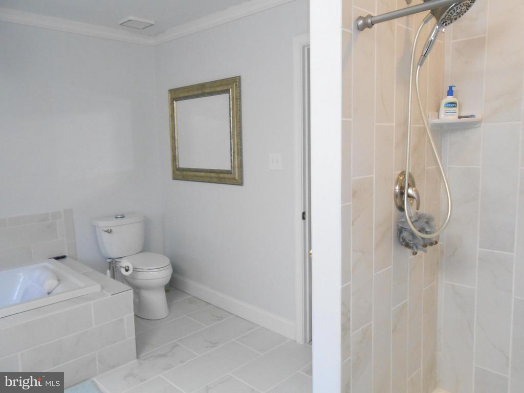 Newly Renovated Master Bath - 10210 BENS WAY, MANASSAS