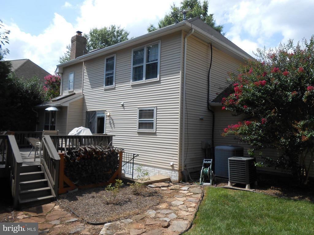 Rear Deck with stairs to yard - 10210 BENS WAY, MANASSAS