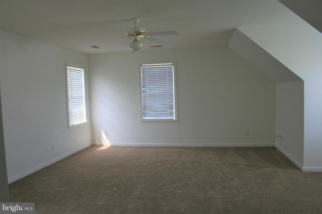 Bedroom (Master) - 20 SUNSET RIDGE LN, FREDERICKSBURG