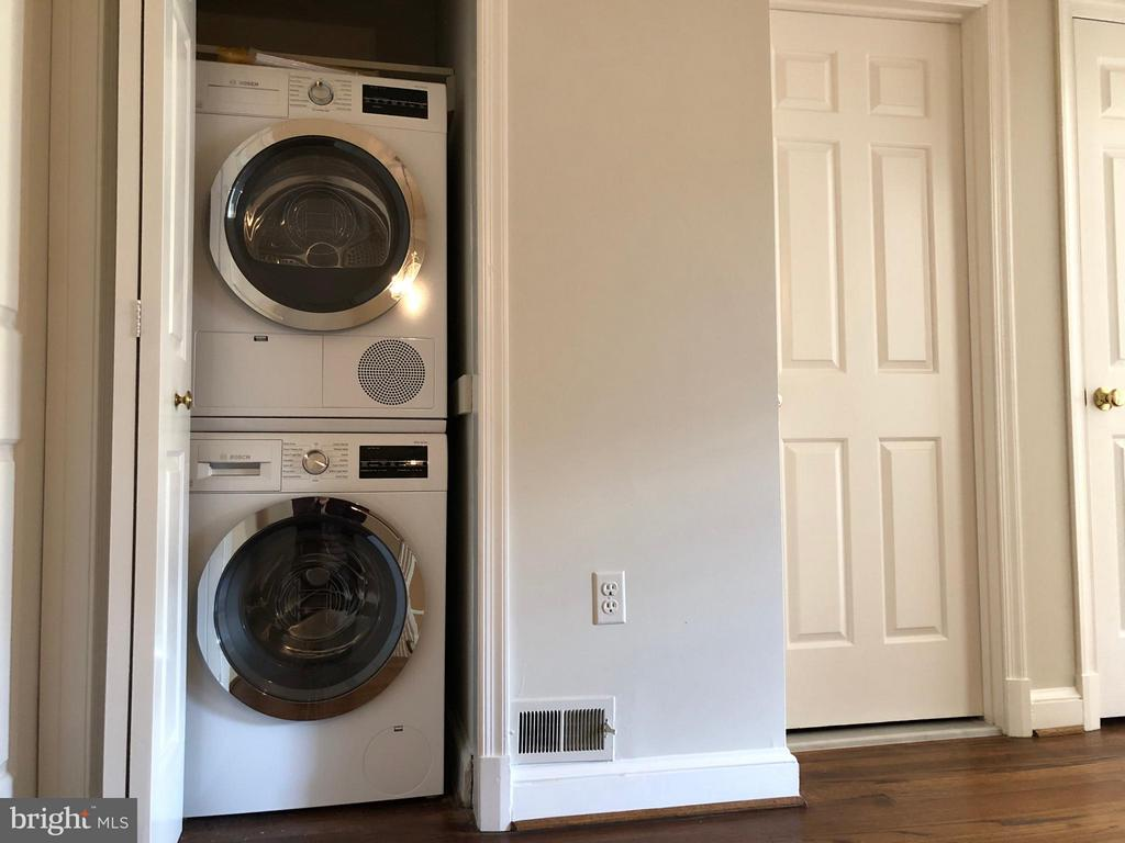Bedroom Level Laundry - 223 PRINCESS ST, ALEXANDRIA