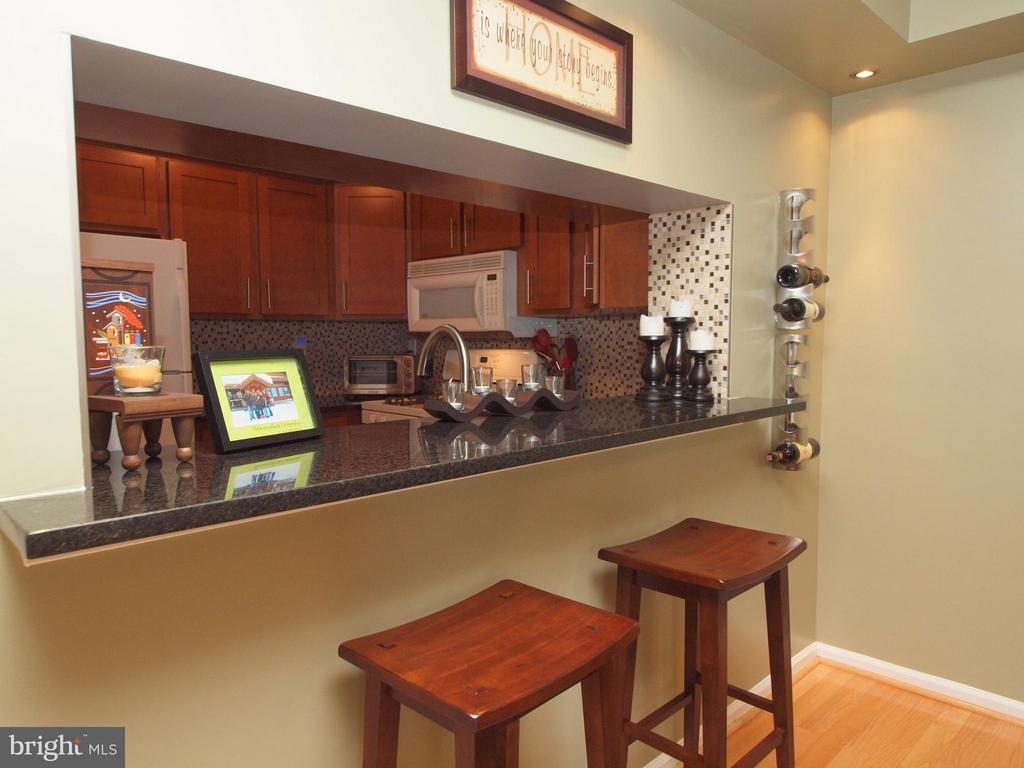 Granite Top Bar - 14388 HAVENER HOUSE CT, CENTREVILLE