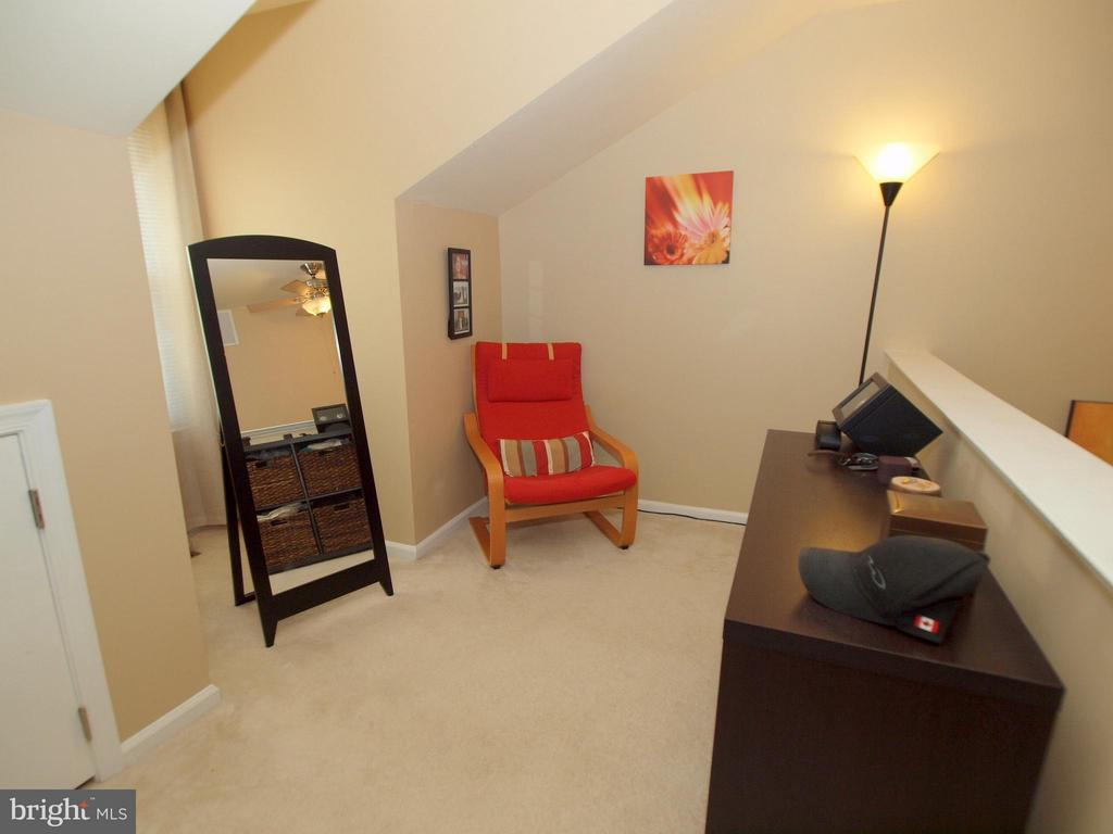 or room for a dressing/vanity area - 14388 HAVENER HOUSE CT, CENTREVILLE