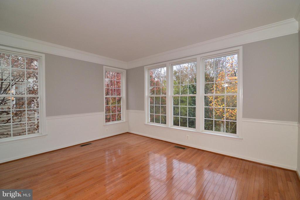 Formal Living Room - 21934 WINDOVER DR, BROADLANDS