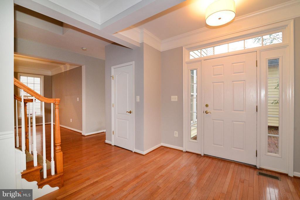 Foyer - 21934 WINDOVER DR, BROADLANDS