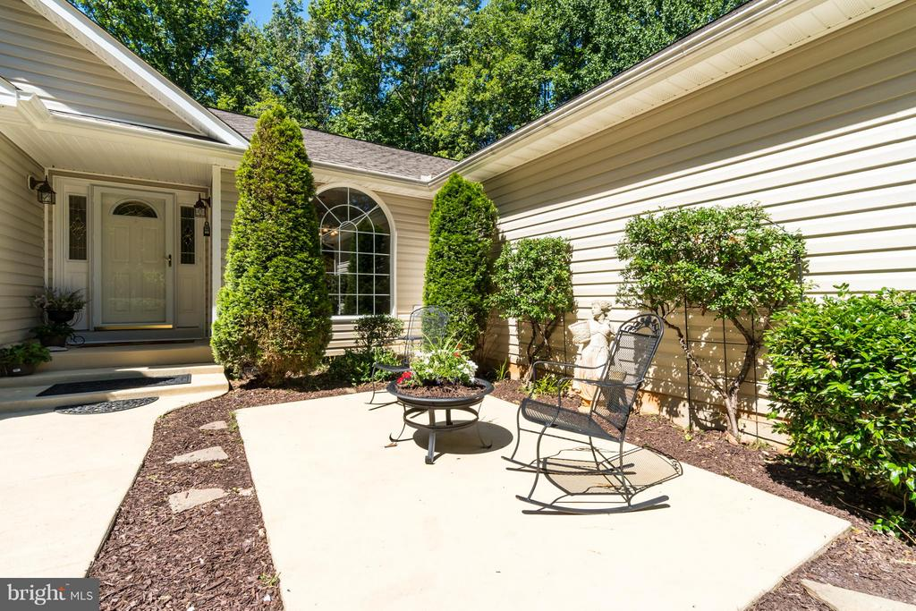 Patio Perch - 11704 BLEASDELL DR, SPOTSYLVANIA