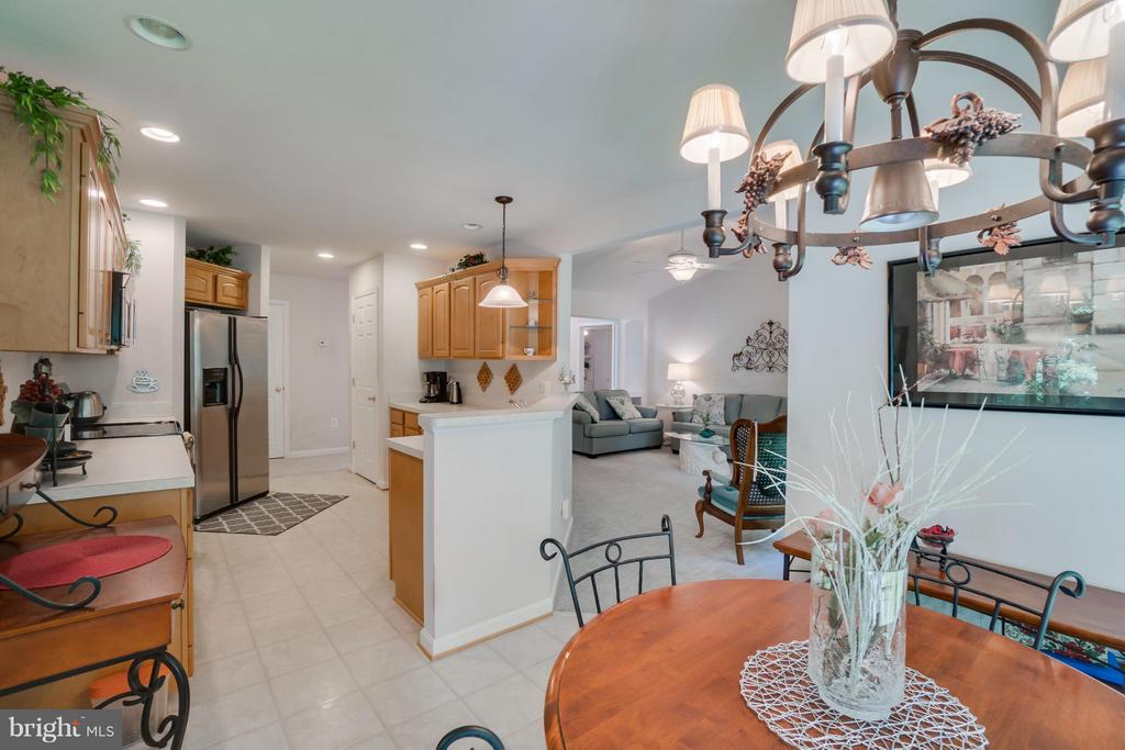 Kitchen eat in area - 11704 BLEASDELL DR, SPOTSYLVANIA