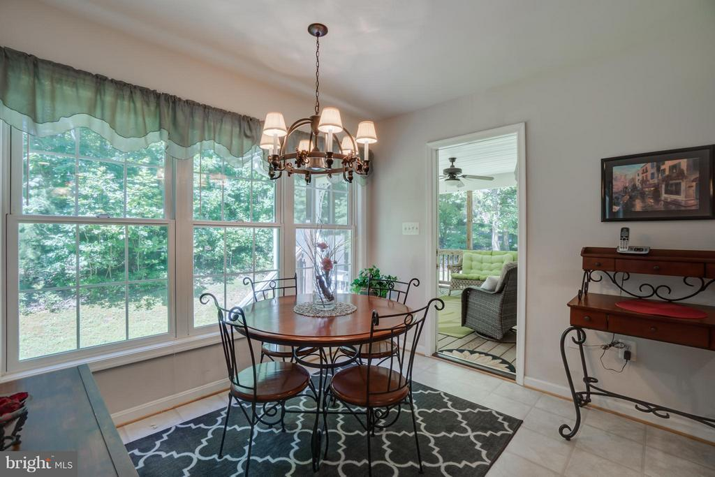 Kitchen breakfast Nook - 11704 BLEASDELL DR, SPOTSYLVANIA