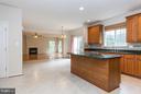 Kitchen Island w/New Cook Top - 9311 EAGLE CT, MANASSAS PARK