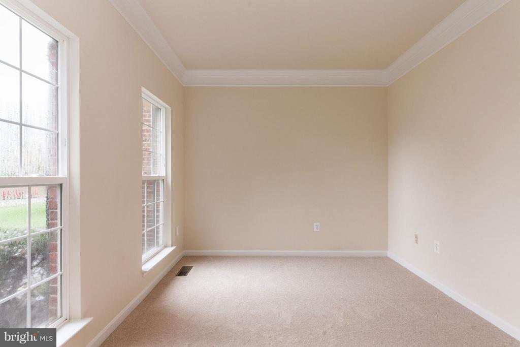 Office just off the Foyer - 9311 EAGLE CT, MANASSAS PARK