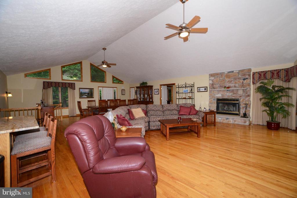Living Room - 3304 RIVERBEND CT, BUMPASS