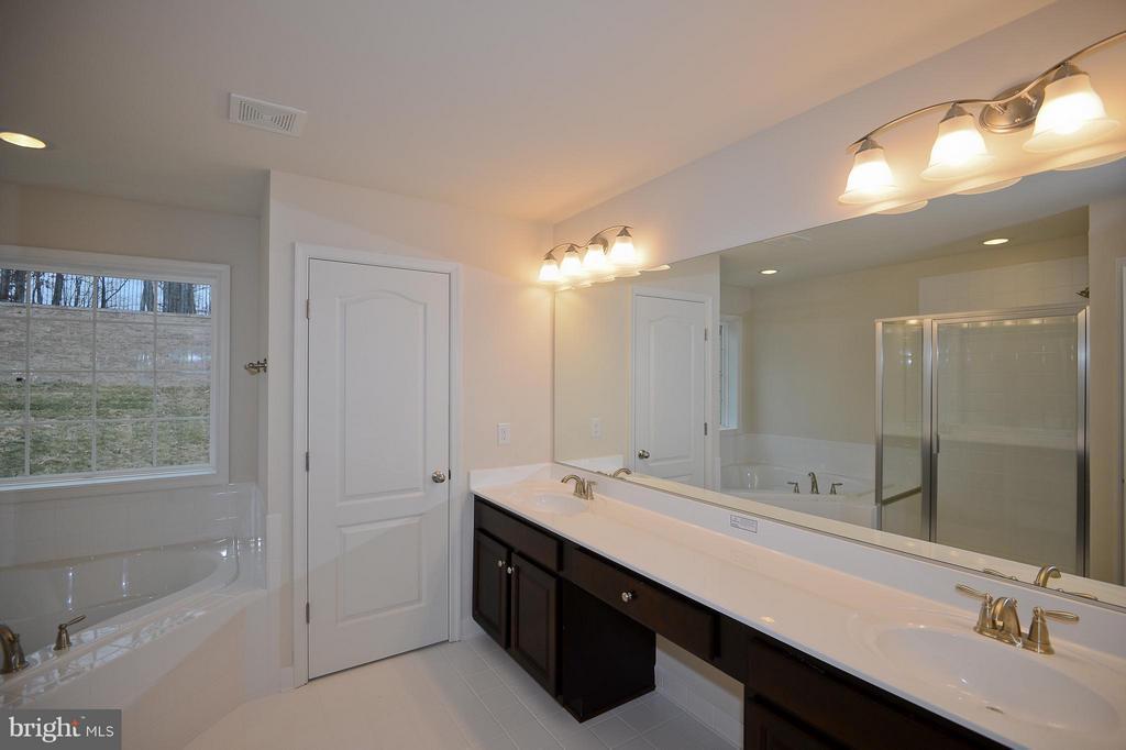 Bath (Master) - 3558 CLINTON ROSS CT #4, TRIANGLE