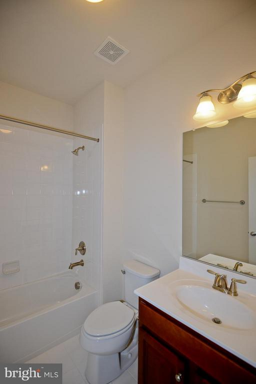 First Floor Full Bath - 3558 CLINTON ROSS CT #4, TRIANGLE