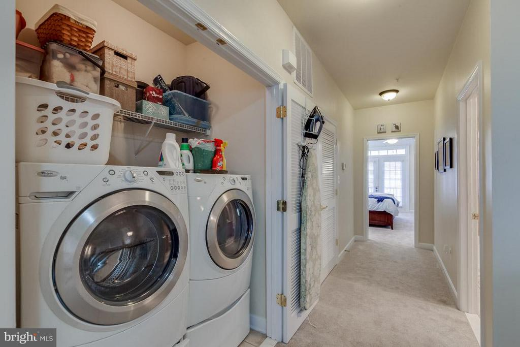 Front loading Washer/Dryer - 43594 HAMPSHIRE CROSSING SQ #0, LEESBURG