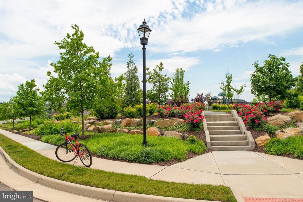 Community Trails & Tot lots - 23245 MILLTOWN KNOLL #102, ASHBURN