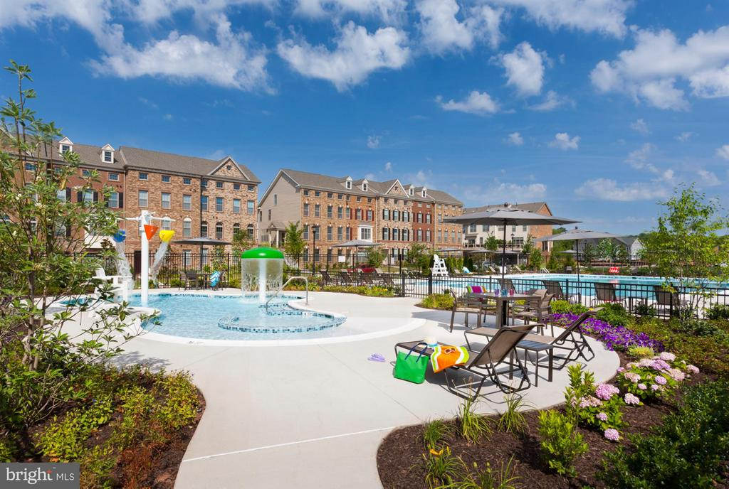 Community Clubhouse with Kids Pool - 22641 NORWALK SQ, ASHBURN